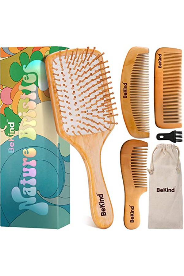 Wooden bristle brush set
