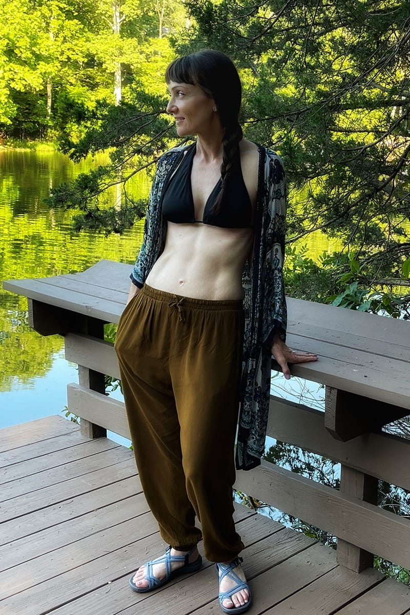 Blogger wearing lakeside outfit.